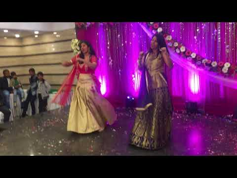 Amazing Wedding Duo on NAVRAI MAJHI( English Vinglish) & RADHA (Student of the Year)