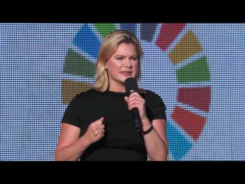 JUSTINE GREENING at the Global Citizen Festival 2015