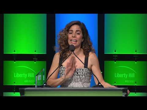 Ana Ortiz accepts Creative Vision Award at Liberty Hill's 2017 Upton Sinclair Dinner