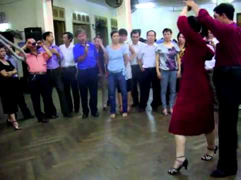 Rumba lop4 vũ sư Trần Tôn & cô Bảo Dương July 2010