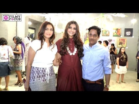Sonam Kapoor at the Gateway School Art Show - Filmyfocus.com