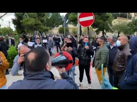 Covid, manifestazione legata a Forza Nuova davanti sede Regione