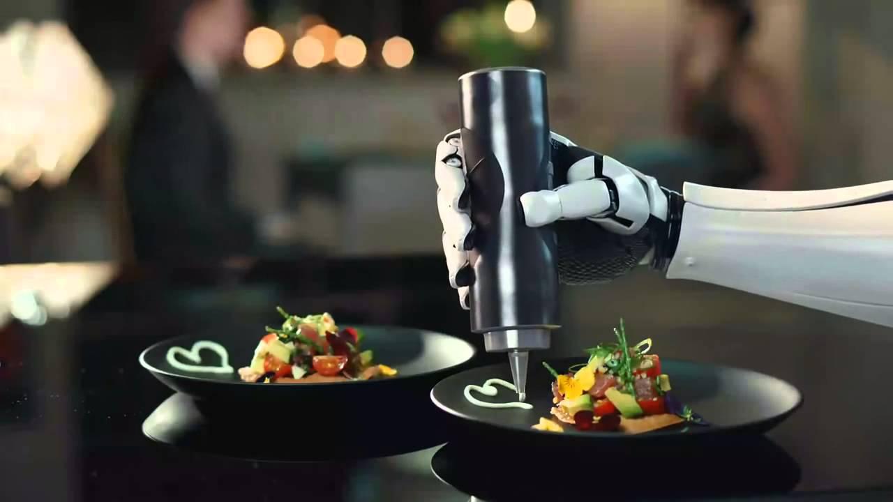 Il robot che cucina per te come un vero chef Moley Robotics - YouTube