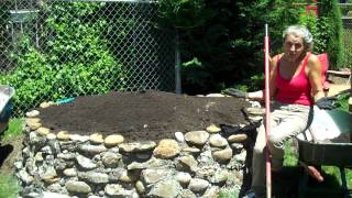 (1/13 Videos) How To Make A Keyhole Garden - Intro - Www.keyholegardens.org .mp4