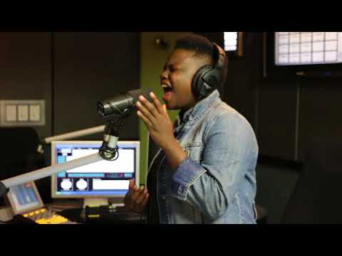 .@AmandaBlackSA performs a medley of songs on #TheGreatEscape