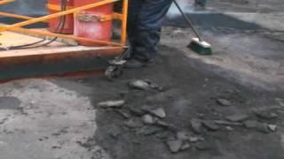 Ямочный ремонт дорог дворовых территорий(Данный метод позволяет устранять дефекты любой сложности в любую погоду, как летом, так и зимой. Основой..., 2009-08-23T14:53:50.000Z)