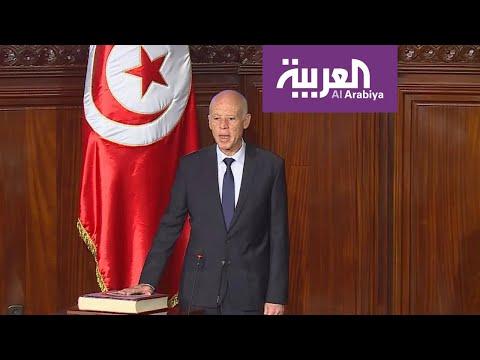 قيس سعيّد رفع يده أمام البرلمان  - نشر قبل 1 ساعة