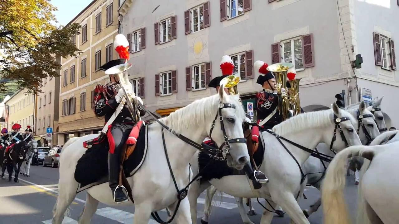 Fanfara mai vista - Carabinieri a Merano - YouTube