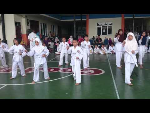 Ujian taekwondo sabuk putih