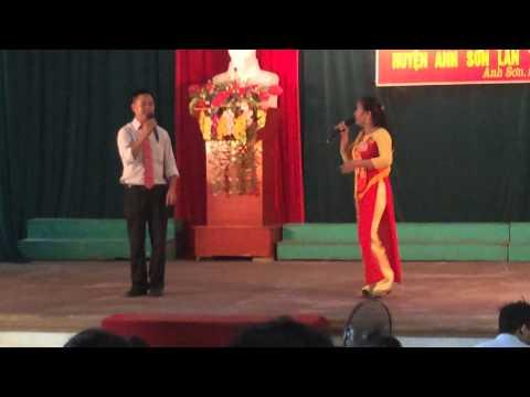 Màn chào hỏi hội thi Nhà nông đua tài xã Cẩm Sơn 29/9/2014