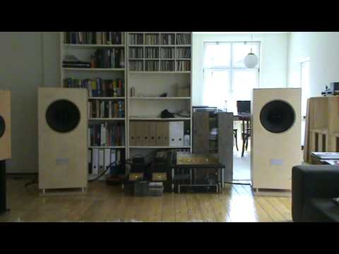 Kult 1 loudspeakers (ALtec 604 duplex), Jadis JP15 and JCA30 mono ...