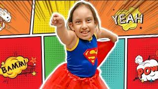 Maria Clara se transforma em Super-Herói e salva seus amigos - MC Divertida