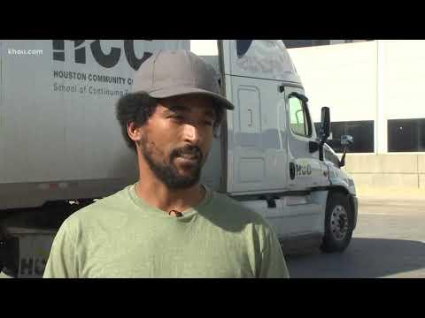 Walmart hiring truckers, paying nearly $90k