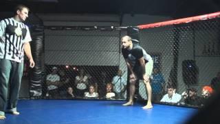 Guillotine Choke - Tony Senner Chokes Opponent Unconscious