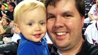 Police: Father was 'sexting' as son was dying i...