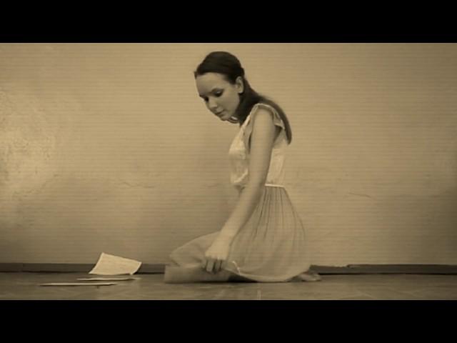 Изображение предпросмотра прочтения – ОксанаСобакина читает произведение «Она сидела наполу…» Ф.И.Тютчева