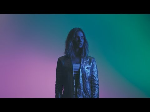 Florrie - Seashells (Official Video)