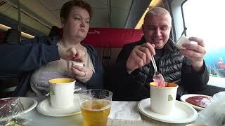 Мукбанг ВКУСНЕЙШИЙ обед В ПОЕЗДЕ 🚝 Пробуем БОРЩ 🍲 в вагоне бистро поезда Сапсан в Санкт Петербург