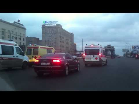 "Moscow: Every day even ambulances wait for ""VIP"" government officials to pass by"