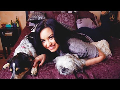 Demi Lovato SAVED from Burglar by Her Own Dogs!