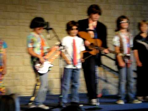 the laureate school sings the beatles' yellow submarine