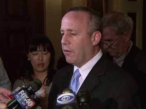 Senate pro Tem Steinberg Speaks to Reporters About End of Session Issues