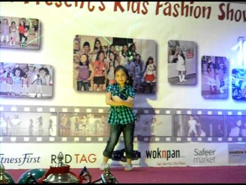 Sheena Mae Ann Celis: Single catwalk.AVI