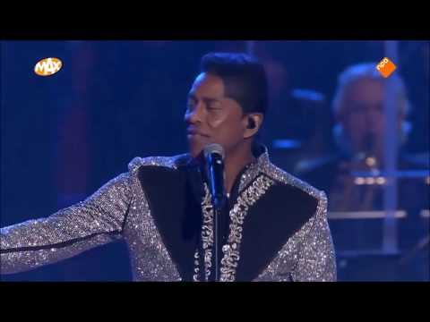 Jermaine Jackson performance MAX Proms 2017 New Year's Eve show