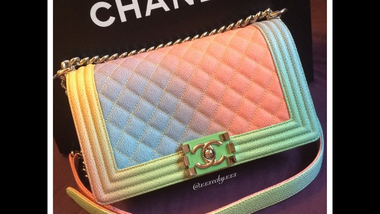 9ccc922858ec Chanel Handbag Unboxing - Rainbow Old Medium Boy Bag - Cruise 2017 ...
