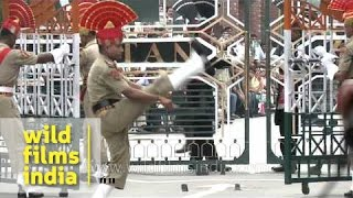 Indian troops do the goose-step at Indo-Pakistan border