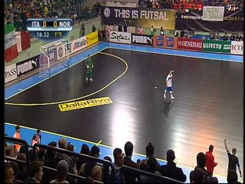 Franco Cachia MFA and FIFA Futsal Referee in action Italy vs Norway