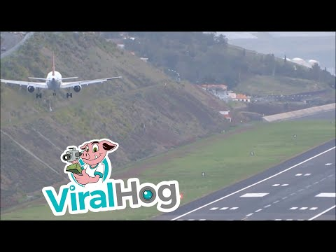 Thumbnail: Plane Attempts to Land at Madeira Airport in Strong Winds