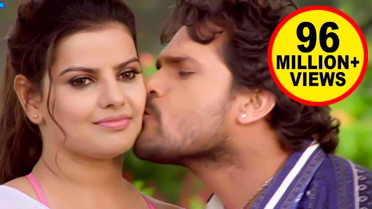 "Download खेसारी लाल ने खुलेयाम लिया चुम्मा - Comedy video""""  Khesari Lal Or Madhu Sharma ke beech Takkar  "