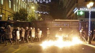 Greek police, protesters clash during President Obama's visit