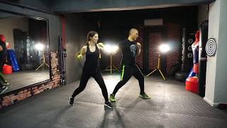 Kadınlar için özel kickboks dersi