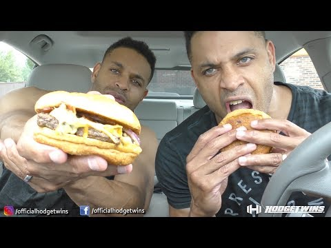 Eating Wendy's Bacon Queso Burger @Hodgetwins