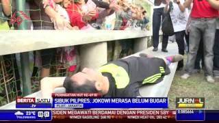 Jokowi Pingsan Kelelahan setelah Balap Karung & Main Bola hajar lawannya