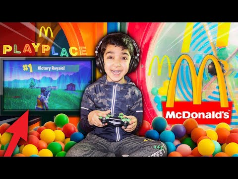 THIS 5 YEAR OLD KID WON A GAME OF FORTNITE IN THE MCDONALDS PLAYPLACE! | 5 YEAR OLD PLAYS FORTNITE