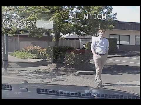 Seattle Police, car accident going to call at 3:48