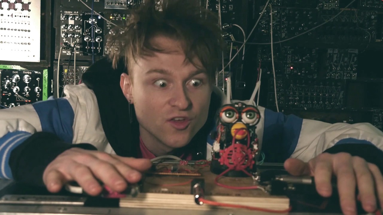 How To Sync A Circuit Bent Furby Synth Video Basic Bending Tutorial Circuitbending Youtube