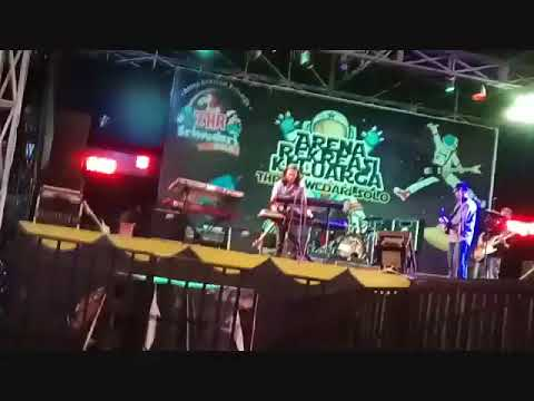 Koes Plus   Ayah dan Ibu by Agus Hariyadi  MGMP Plus Band