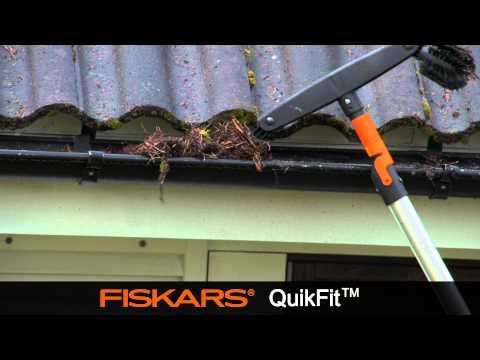 Fiskars QuikFit™ Gutter Cleaner 135542