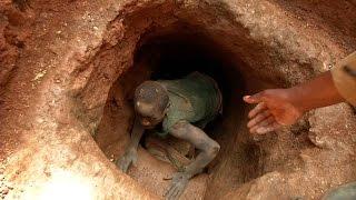 Entramos en una mina de coltán - En Tierra Hostil