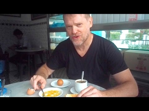 What Is a Traditional Singapore Breakfast?