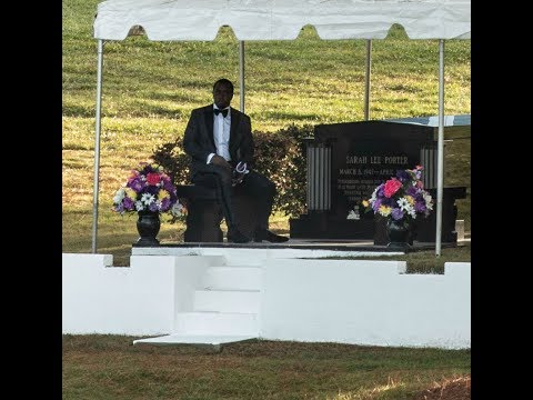 Sean 'Diddy' Combs Mourns Ex-Girlfriend Kim Porter as He Sits by Her Gravesite at Cemetery - News to Mp3