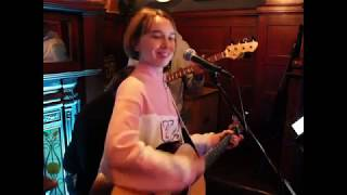 Jailhouse Rock - Elvis Presley // Cover by Jade Louvat (Live at the Old Pack Horse)