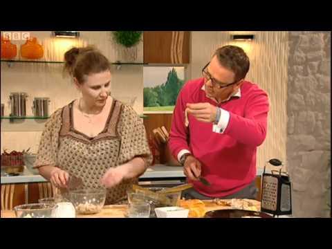 James Martin cooks Razor clam, leek and brioche bake for Lesley Sharp Saturday Kitchen 9th June 2012