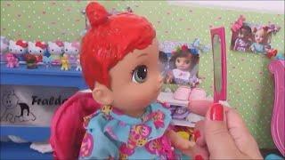 PINTEI O CABELO DAS MINHAS BONECAS DE VÁRIAS CORES BABY ALIVE AMANDINHA