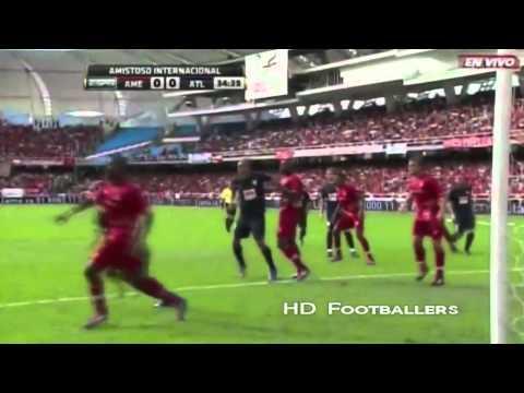 Falcao, Neymar y un eslovaco pelean por el mejor gol de 2012