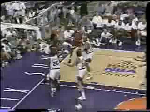 Bulls vs Suns 1993 Finals - Game 2 - Michael Jordan 42 points